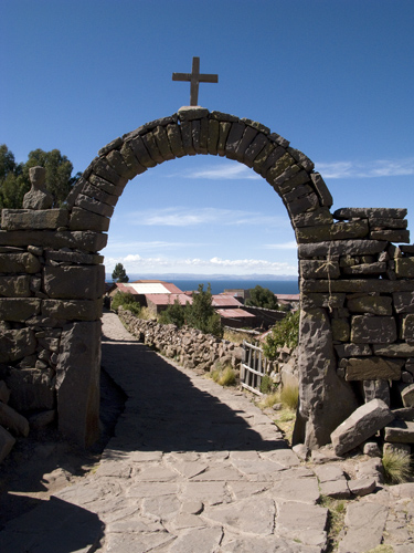 taquile arch
