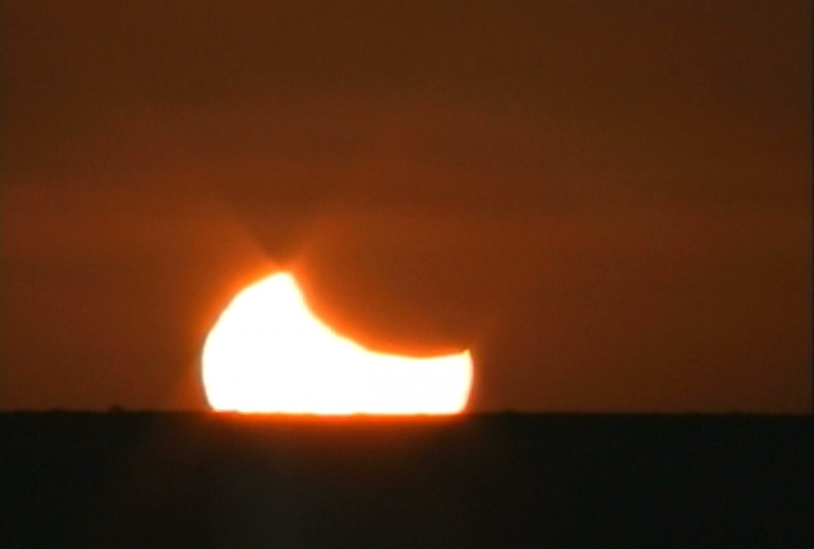 Eclipsed Sun Sets!